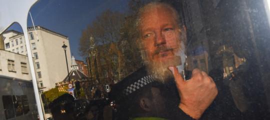 wikileaks julian assange stupro