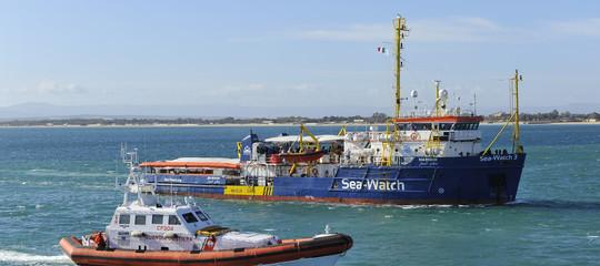 Migranti convalidato sequestro Sea Watch