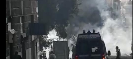 giornalista ferito genova antifascisti polizia casapound