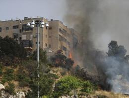 Incendi devastanti intorno a Gerusalemme, già 3.500 le persone evacuate