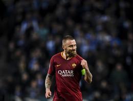 """Daniele De Rossi lascia la Roma con un saluto ai tifosi: """"Nessuno vi amerà più di me"""""""