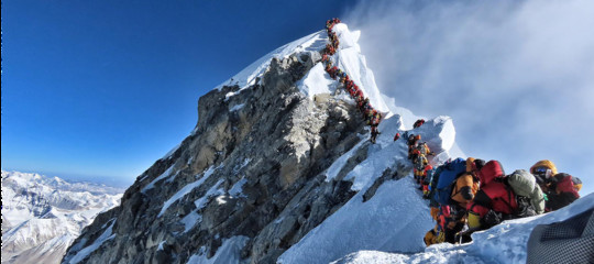 everestvittime alpinisti precipitati