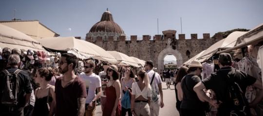 italiani turisti viaggiatori