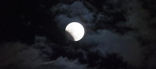 piano trump luna spazio