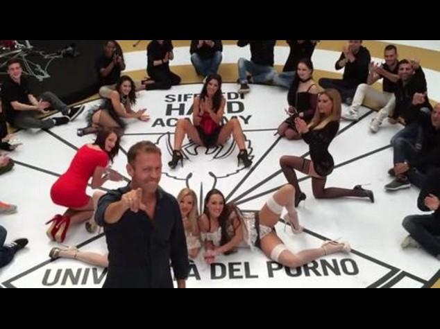 """Rocco Siffredi apre Universita' del Porno """"30 giovani per l'hard"""""""