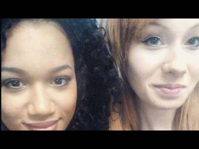 Gemelle diverse: record in Gb, una bianca con capelli rossi e occhi blu e una nera con capelli corvini