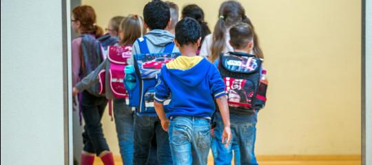 a scuola arriva l`ora d`arabo per i bambini italiani. e scoppia la polemica.