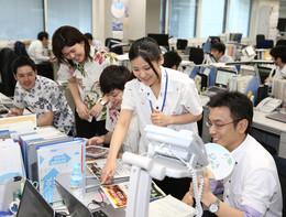 Il governo giapponese non riesce a convincere gli impiegati a togliersi la cravatta