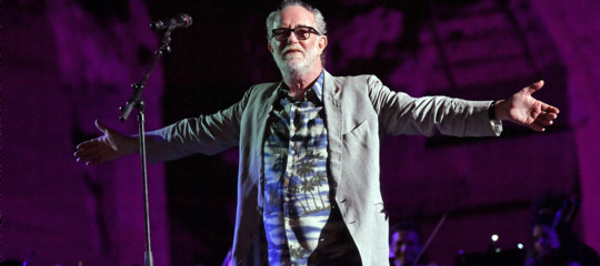 francesco de gregori attacca le radio
