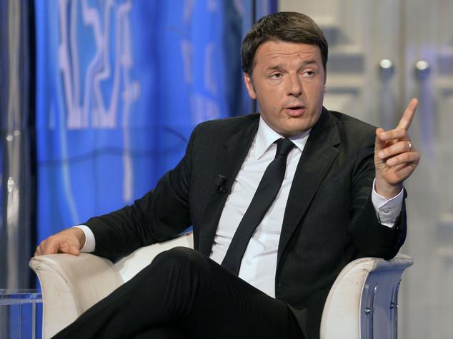 """Scuola: Renzi, rinvio assunzioni """"Colpa dei 3.000 emendamenti"""""""