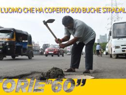 L'uomo che ha coperto 600 buche stradali