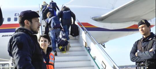 migranti rimpatri italia ong cefa