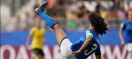 stipendi calcio femminile mondiali italia