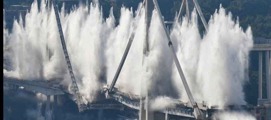 La demolizione del Ponte Morandi è durata 6 secondi