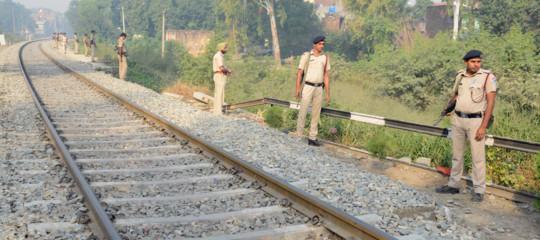 incidente treno pakistan