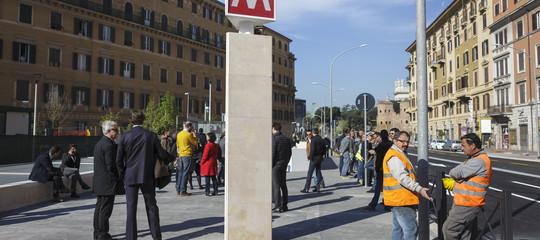 donna investita metro roma