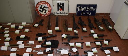 arsenale guerra estremisti di destra