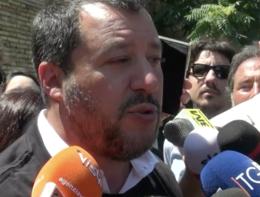 """Salvini: """"Alleanza Pd-M5s? Chiedano a italiani che ne pensano"""""""