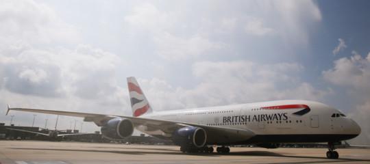 britisgh airways sospende voli cairo terrorismo