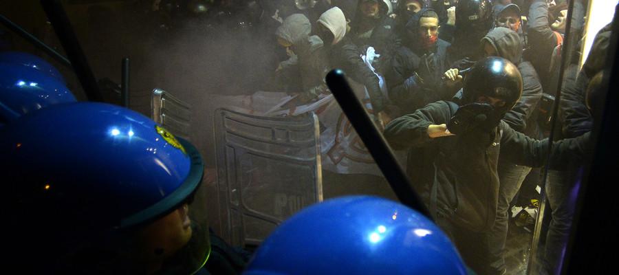 Tav: razzi, pietre e incendio contro la polizia, 20 denunciati
