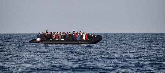 migranti naufragio morti