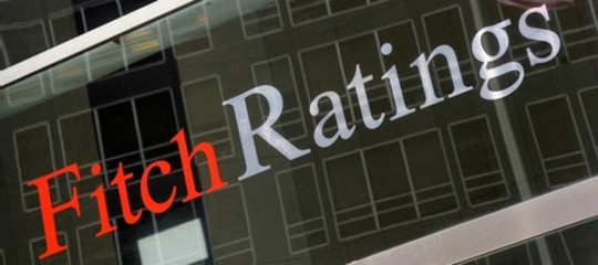 fitch rating outlook negativo
