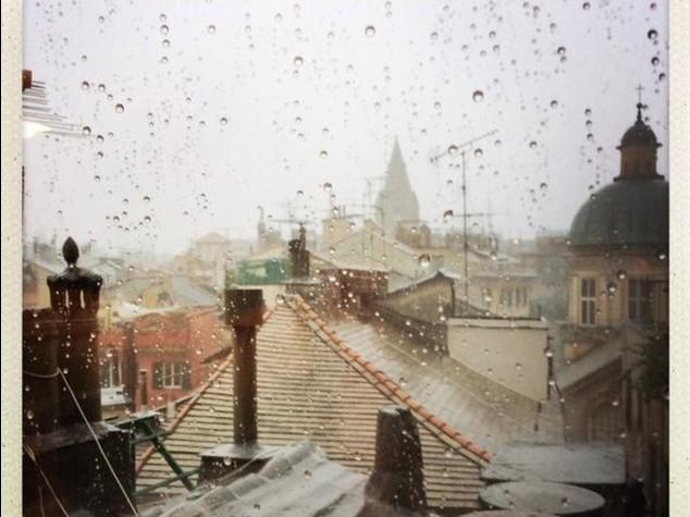 Nubifragio a Genova, decine di evacuati. Allerta meteo a Roma