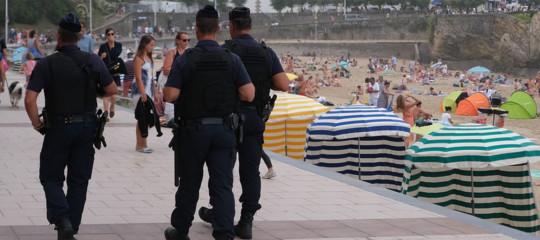 agenti suicidi polizia francia