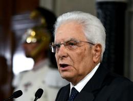 """Mattarella: """"La crisi va risolta con decisioni chiare e tempi brevi"""""""
