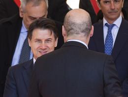 Zingaretti lo dice e lo ripete: no a un governo con Conte premier