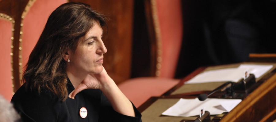 Chi è Nunzia Catalfo, ministro del Lavoro e 'madrina' del reddito di ...