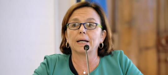 ministro lamorgese migranti social