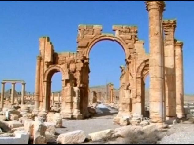 Siria: nuovo scempio a Palmira, Isis ha distrutto l'Arco di Trionfo di epoca romana