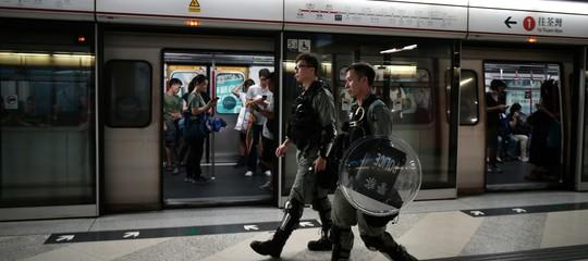 deraglia metropolitana hong kong