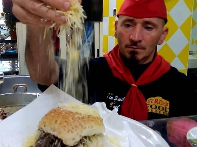 Nino 'u Ballerino, re dello street food palermitano, nella guida del Gambero Rosso