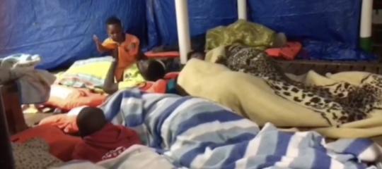 Migranti: Open Armssoccorre 40 persone, tra loro un bimbo e un neonato