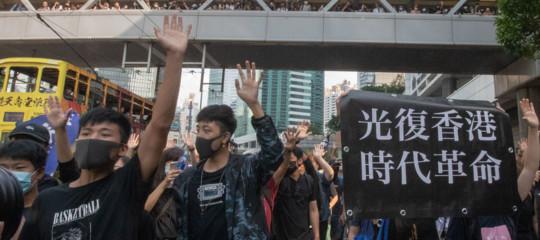 Hong Kong apple rimuove app