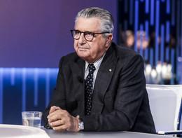 """""""Non hanno la passione per fare gli editori"""", dice Carlo De Benedetti dei figli"""
