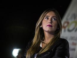 """""""Capisco l'imbarazzo di Mara Carfagna"""", dice Boschi"""