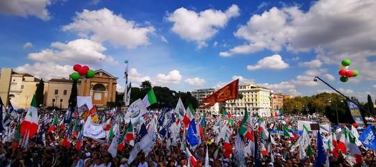 manifestazione centrodestra salvini lega casapound