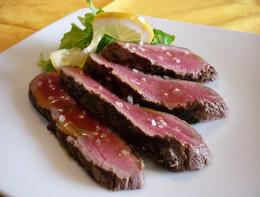 Creata in laboratorio la bistecca sintetica simile a quella vera