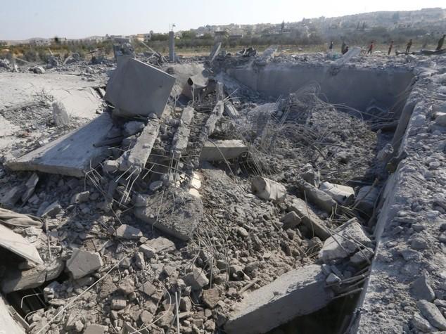 Mosca bombarda Raqqa, la roccaforte Isis