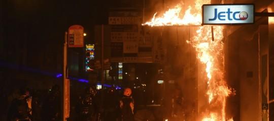assedio studenti universita hong kong