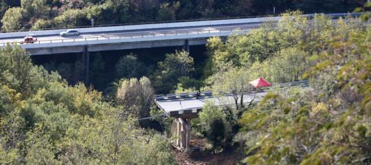 crolla viadotto a6 savona maltempo