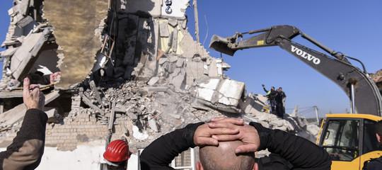 albania terremoto morti