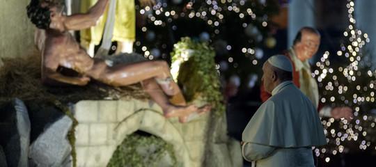 papa francesco presepe scuole piazze