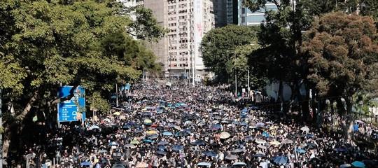 hong kong manifestazione