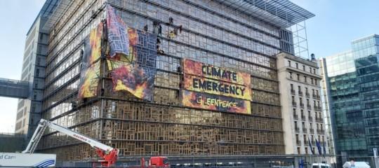 Manifestazione Greenpeace Europa Building