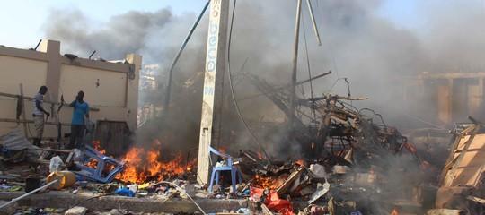 Somalia attentato Mogadiscio camion-bomba morti