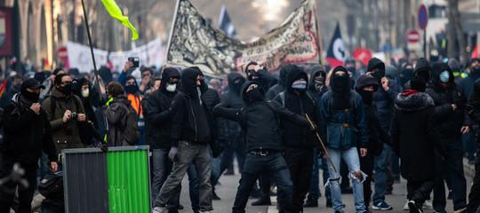 riforma pensioni francia macron manifestazioni